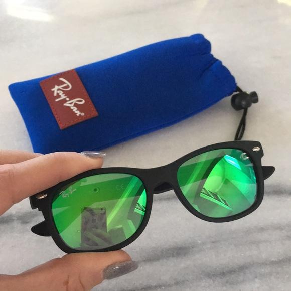 32eb52d8f7892 Kids Wayfarer Junior Ray-Ban Sunglasses. M 5ada3b623800c5b67f895690